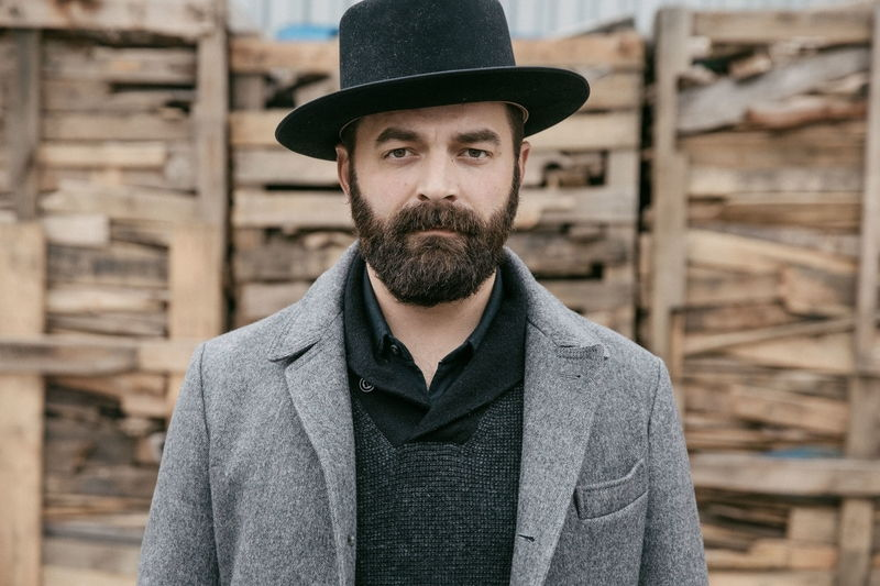 Interview: Drew Holcomb
