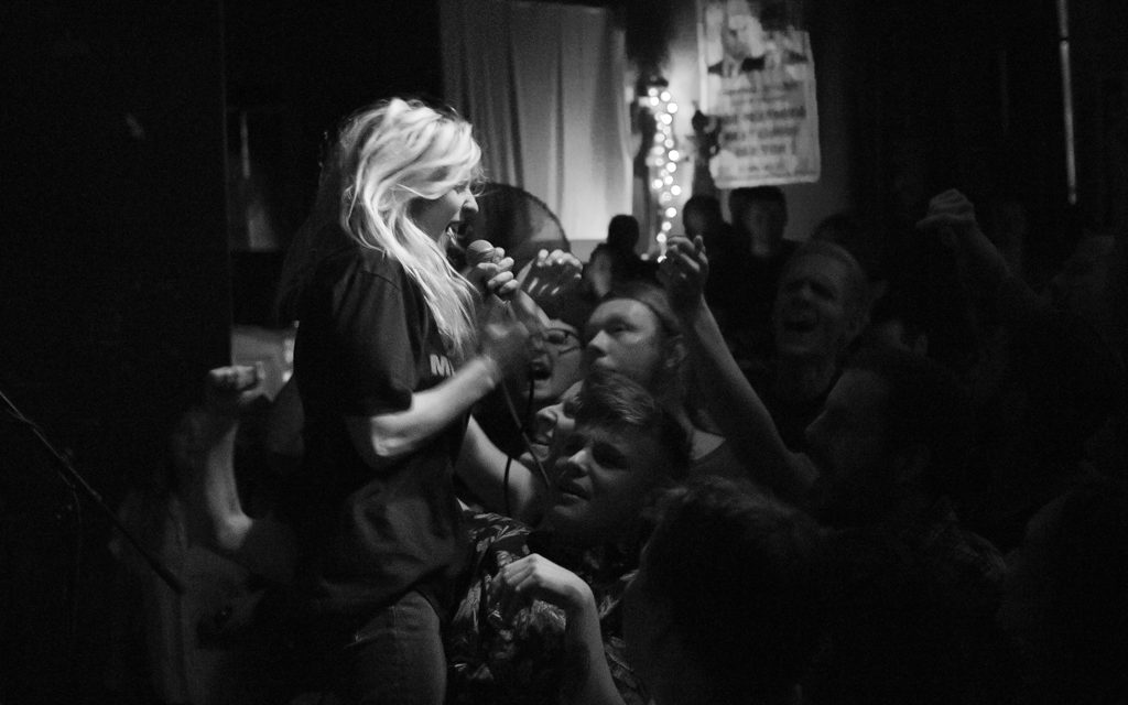 As Shot in Columbus: Bully & Shellshag at Ace of Cups